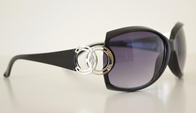 6b4039b1c0 Occhiali da sole neri donna lenti ovali protezione solare UV400