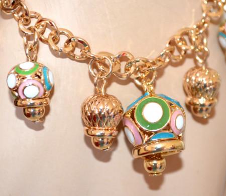 BRACCIALE CIONDOLI donna catena oro dorato pendagli charms campanelle rosa verde azzurre N31