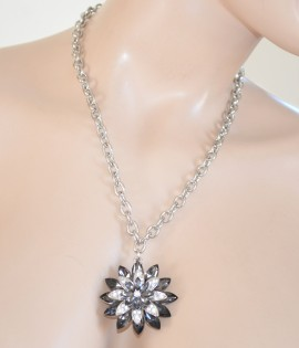 COLLANA GIROCOLLO donna ARGENTO strass CIONDOLO CRISTALLI fiore nero catena  anelli collier 10N 790aef9bb2b