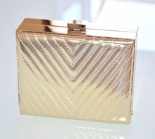 ... POCHETTE donna ORO elegante borsa metallizzata borsello cerimonia da  sera H10. prev. next. prev dbccf4e8ae1