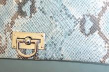 BORSELLO AZZURRO AVION donna borsa eco pelle stampa rettile argento pochette tracolla G98