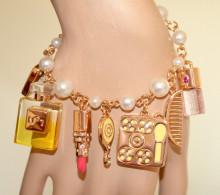 BRACCIALE CHARMS CIONDOLI donna PERLE oro dorato pendagli make up trucco rossetto profumo N4