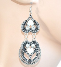 Orecchini donna ragazza  bianchi argento pietre  strass pendenti cuori brillantini F60