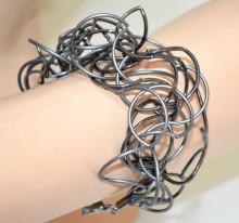 BRACCIALE GRIGIO NERO donna maglia fili ondulati metallo bracelet pulsera armband G10