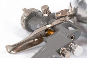 Pistol pneumatic ptr vopsit, rezervor-part. de sus, V=0,6 L, diametru duze 1.2, 1.5 si 1.8 mm// MTX Profesional