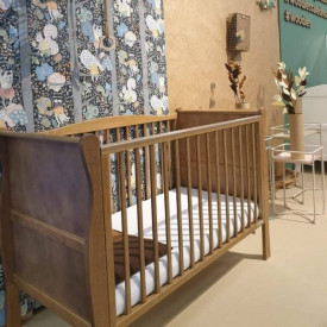 Patut Bebe Din Lemn Masiv Woodies Noble Vintage , 120 cm x 60 cm, Design Impunator, Confortabil, Rezistent