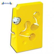 Pertlanje miš u siru