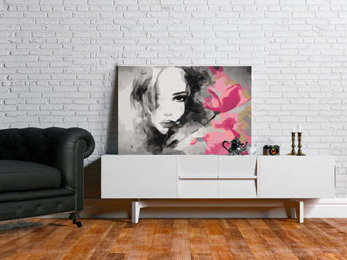 Poze Pictatul pentru recreere - Black & White Portrait With A Pink Flower