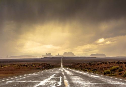 Strom In Monument Valley Photo Wallpaper Mural