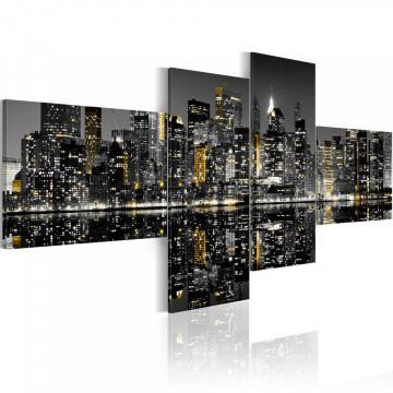 Tablou - Golden flash of skyscrapers