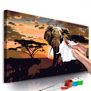 Pictatul pentru recreere - Elephant in Africa (Brown Colours)