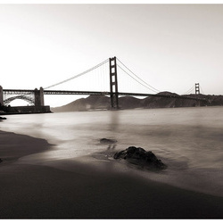 Fototapet - San Francisco: Golden Gate Bridge in black and white