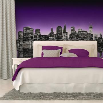 Fototapet - The Big Apple in purple color