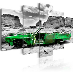 Tablou - Green retro car at Colorado Desert
