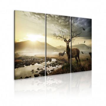 Tablou - Deer with a tree-like antlers
