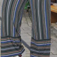 Compleu dama - bluza si pantalon - masura mare bluza albastra si pantaloni cu dungi multicolore pt masura 46-48-50