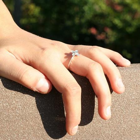 Inel de argint cu motiv floral