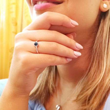 inel argint cu safir si zirconii