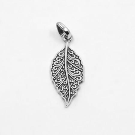 pandantiv de argint patinat frunză