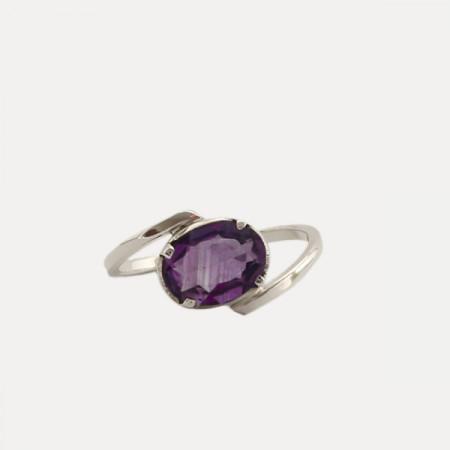 inel de argint cu ametist faţetat, deosebit
