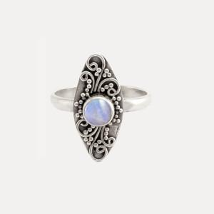 Inel de argint cu piatra lunii Stilla