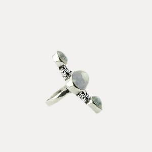 Inel de argint cu piatra lunii Trilogy