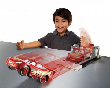 Set de joaca Fulger McQueen Stunt and Skills Cars 3