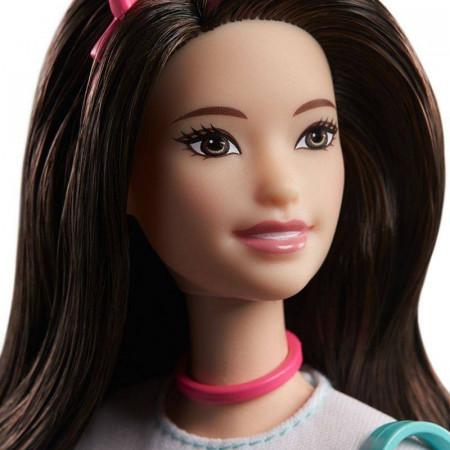 Set papusa Barbie bruneta cu accesorii Barbie Princess Adventure