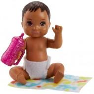 Papusa Bebelus Barbie cu ochi caprui