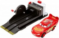 Set de joaca Fulger McQueen Stunt and Skills Cars 3