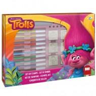 Set creativ fete de stampile si carioci Trolls