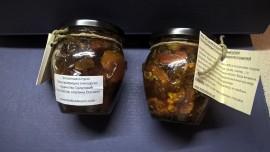 Slika Med sa suvim i koštunjavim voćem