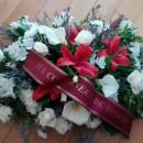 Centro de Condolencias con cinta dedicatoria
