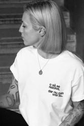 """tricou unisex alb """"o să se rezolve, dar nu cum vrei tu"""""""