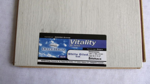 PISO LAMINADO VITALITY DELUX WHITE OILED imágenes