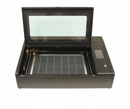 FLUX Laser engraver & cutter