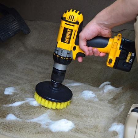 Perie rotunda medie pentru Mocheta & Uz Casnic / Profesional - Detailing Carpet Brush cu Adaptor Bormasina