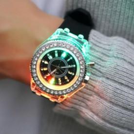 Ceas Activ LED, Jocuri de lumina 7 culori, 4 moduri flash, MyStyle Fashion Crystal Clasic Watch Black