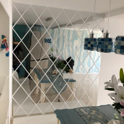 Set 32 Oglinzi Acrilice Diamant Romb Sticker Auto-adeziv Decorativ pentru Baie Living si Bucatarie 50 x 100 cm