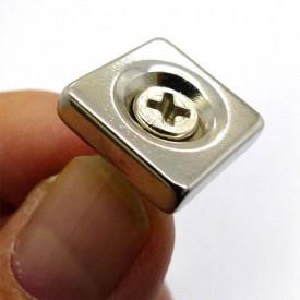 Magnet puternic neodim patrat cu gaura 20mm x 20mm x 4mm