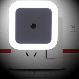 Lampa de veghe 3D White Bright Lamp - Veioza Smart Led cu senzor de lumina incorporat