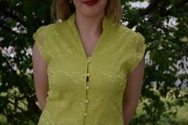 Camasa verde deschis cu dantela si croiala clasica pe talie