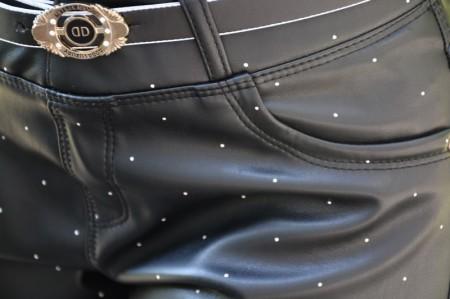 Pantalon Kayle tip piele cu buline,nuanta de negru