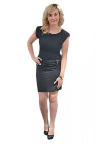 Rochie casual, neagra simpla, cu design de buzunare false cu fermoar auriu