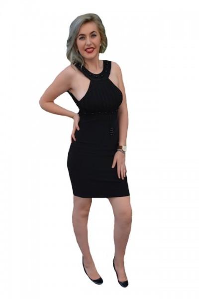 Rochie cu spatele in forma de x, de culoare neagra