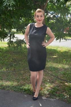 Rochie cu un croi simplu, neagra, mini