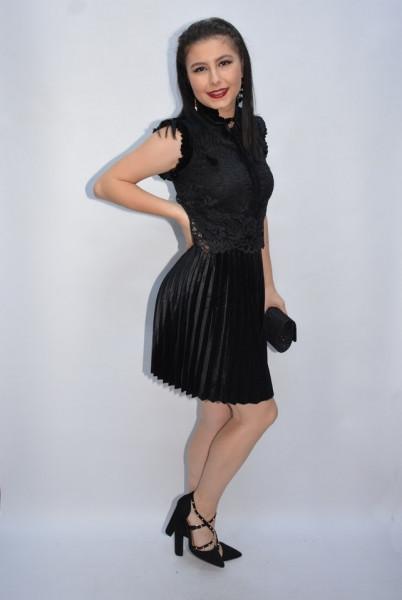 Rochie de ocazie Relisa cu guler incretit si insertii de dantela,negru