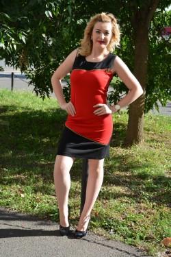 Rochie scurta in doua culori, rosu-negru