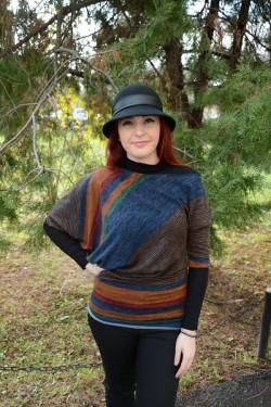 Bluza trendy multicolora, cu design de dungi oblice, model aparte