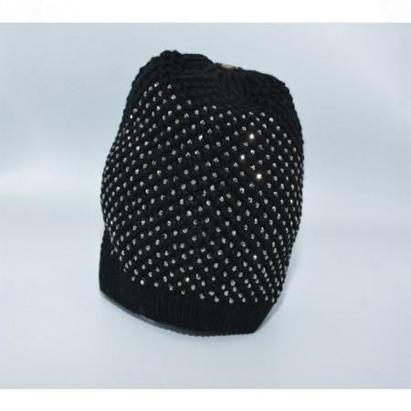 Caciula calduroasa, confortabila, culoare neagra cu strasuri fine